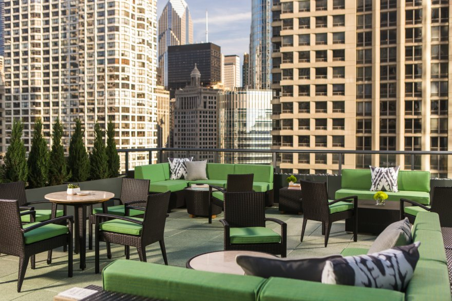 how to find hotel deals in chicago